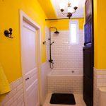 Выкладываю. Желтая ванная